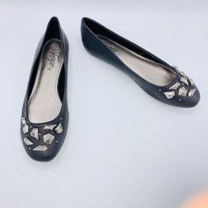 Fergie Women's Hilton Black Leather Studded Flats